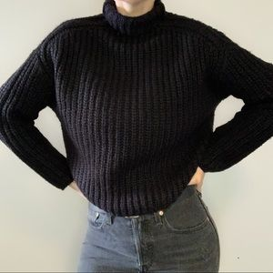 Seven sisters black sweater size XS